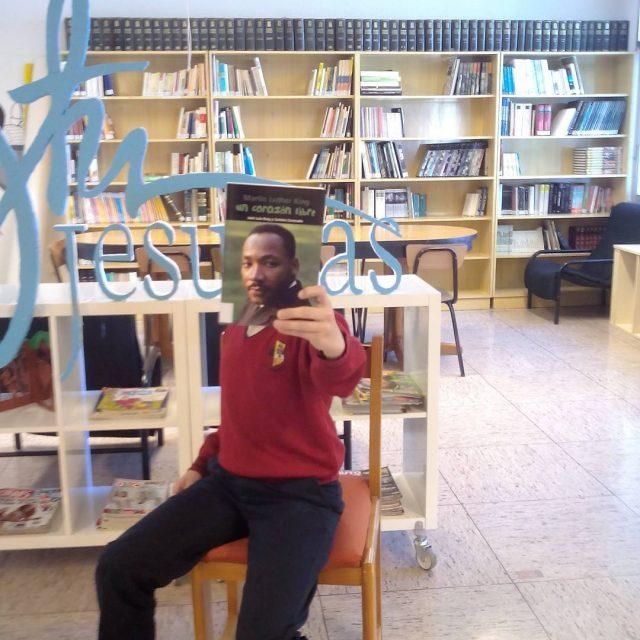 Concurso bookface participa17  Javier Martinez Guisasola bibliojesuitasburgos destinoinfantilampjuvenil
