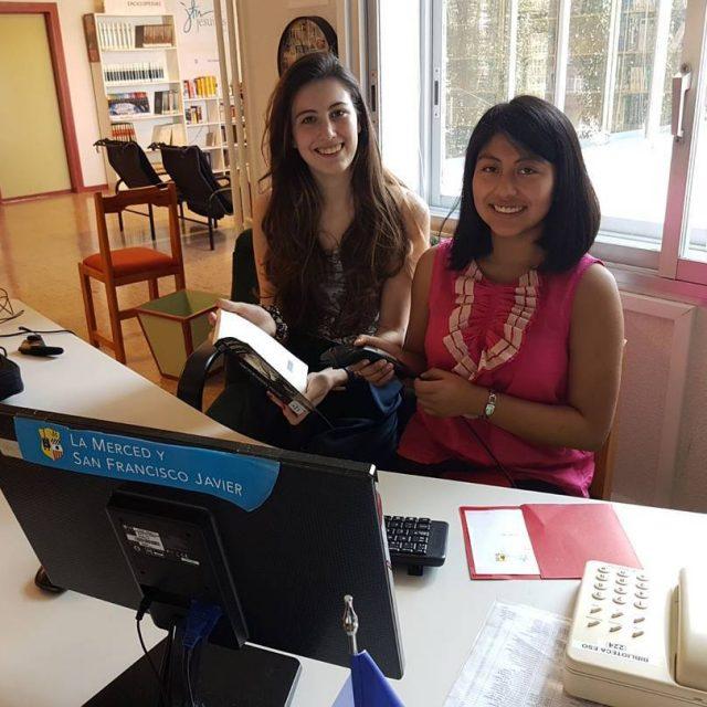 Isabel y Jocelyne se van a la universidad Han sidohellip